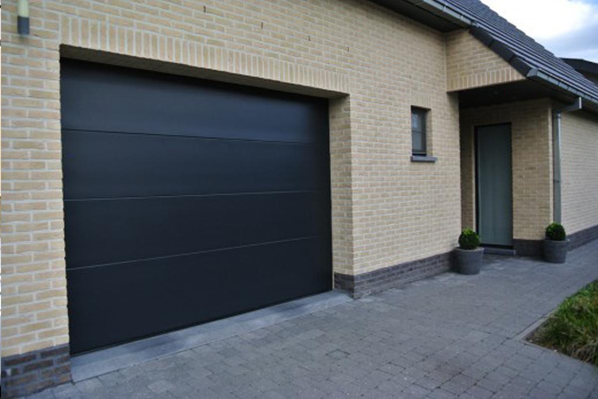 Portes de garage gris anthracite sectionnelle motorisée grande largeur PVC renforcé, Saint Maur des Fossés 94100 Val de Marne